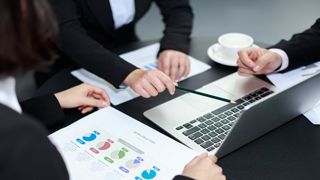 选择青岛代理公司记账和企业财务会计记账那个更合适